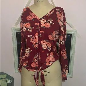 Button up floral v-neck (tied waist and lace back)